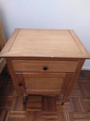 Juego cama mesa de luz - una plaza - pino