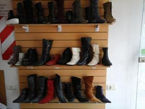 Liquido lote de botas y sandalias de mujer