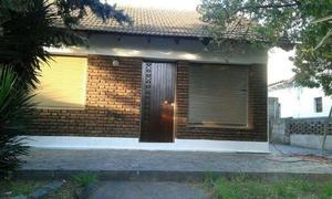 Casa para 6 personas 2d 1b patio garaje