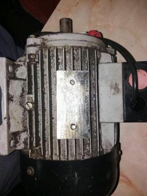 Motor trifásico 3/4 hp