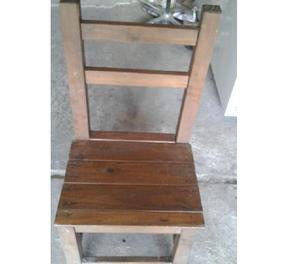 Vendo 4 sillas de madera rústicas