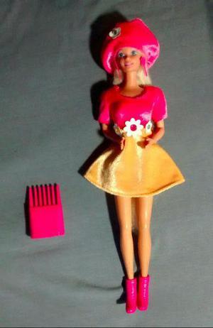 Barbie década del 90, con dos conjuntos
