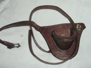 Antiguo porta caña pesca o bandera-cuero cinturon