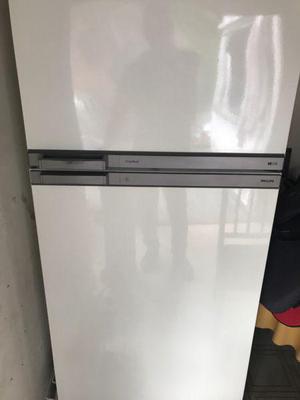 Heladera con freezer philips