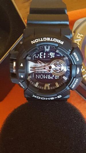 Reloj casio modelo ga 4000 prende la luz al movimiento de