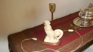 Antigua lampara de mesa gallo ceramica francesa firmada