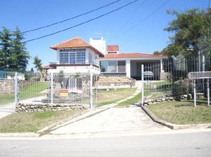 Alquilo casa en villa del lago