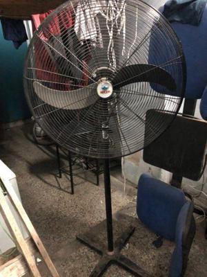 Vendo ventilador industrial de pie ! marca imperio !