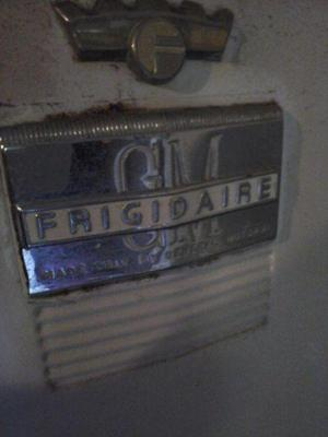Heladera antigua frigidaire funcionando