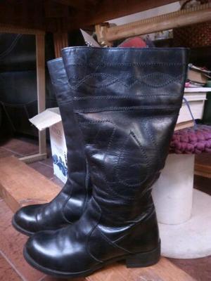Liquido botas altas de cuero número 38