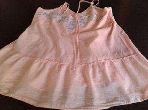 Vendo blusa con breteles cruzados, bordada en parte superior