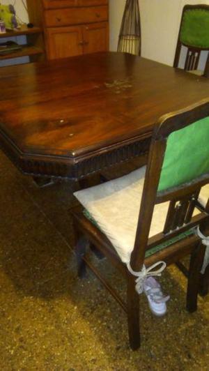Mesa antigua con 6 sillas