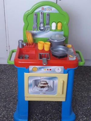 Cocina rondi con horno como nueva
