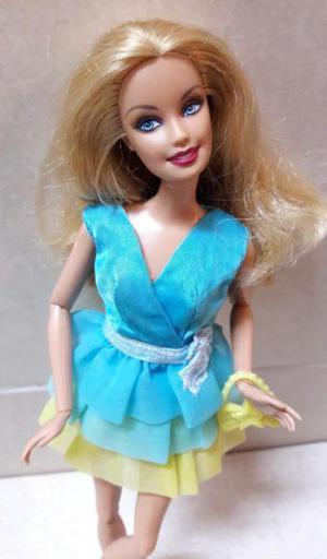 Muñeca barbie fashionista articulada hermosa