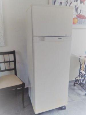 Heladera con congelador coventry – ¡muy bien conservada y