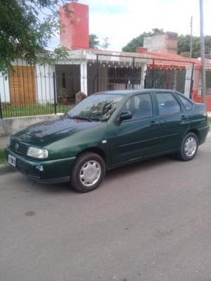Polo clasic 2001 c/gnc