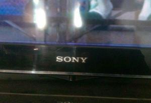 Tv lcd sony 32`` c/detalle