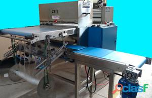 Equipos cortadores de discos para empanadas con film separador