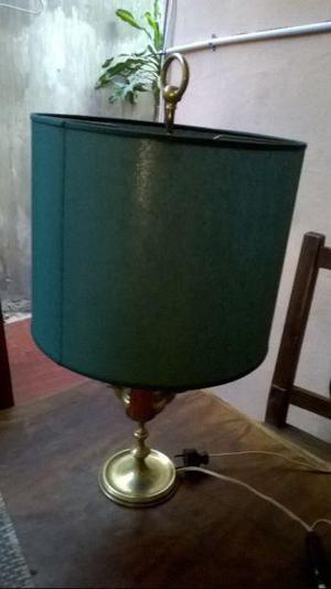 Antigua lampara de mesa estilo ingles