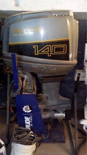 Motor suzuki fuera de borda 140 hp 2t