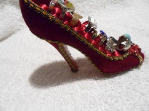 Zapato exividor de anillos muy lindo