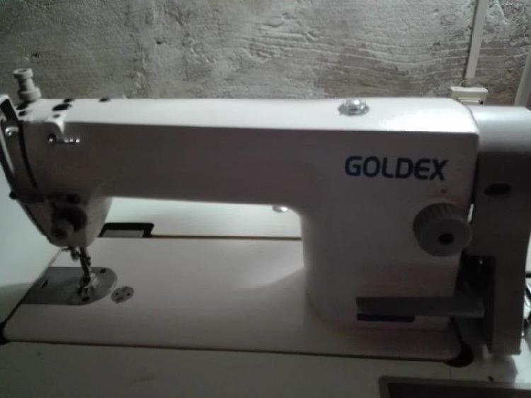 Máquina de coser recta y overlock