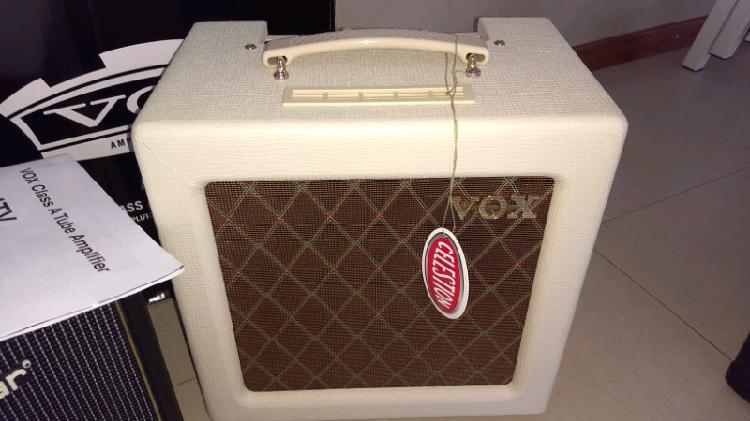 Amplificador valvular vox ac4tv 10