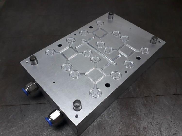 Molde de inyección de estribos plásticos 70x70mm