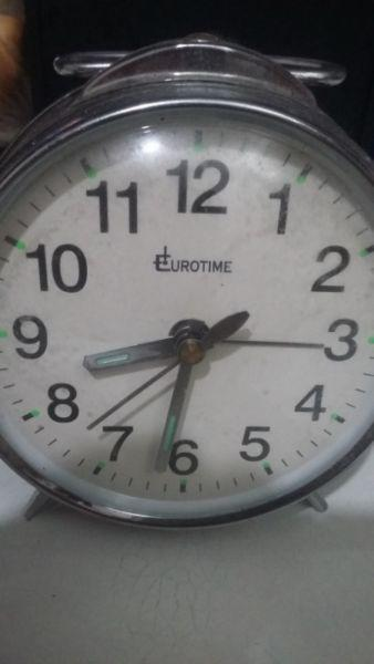 Reloj antiguo a cuerda eurotime