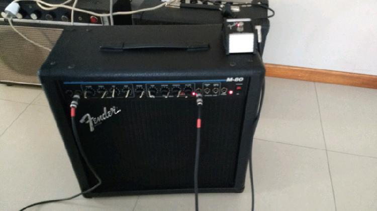 Amplificador fender m80 usa con footswicht original