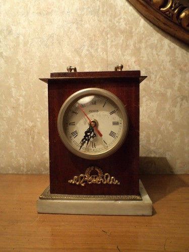 Reloj de carruaje antiguo base de marmol y bronce excelente