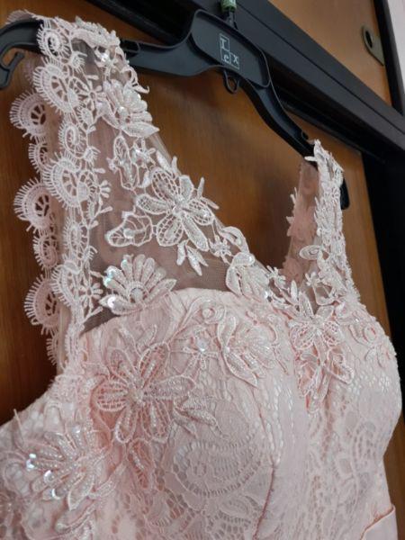 Vestido de fiesta super delicado!!!! impecable!!!! 1 uso!!!