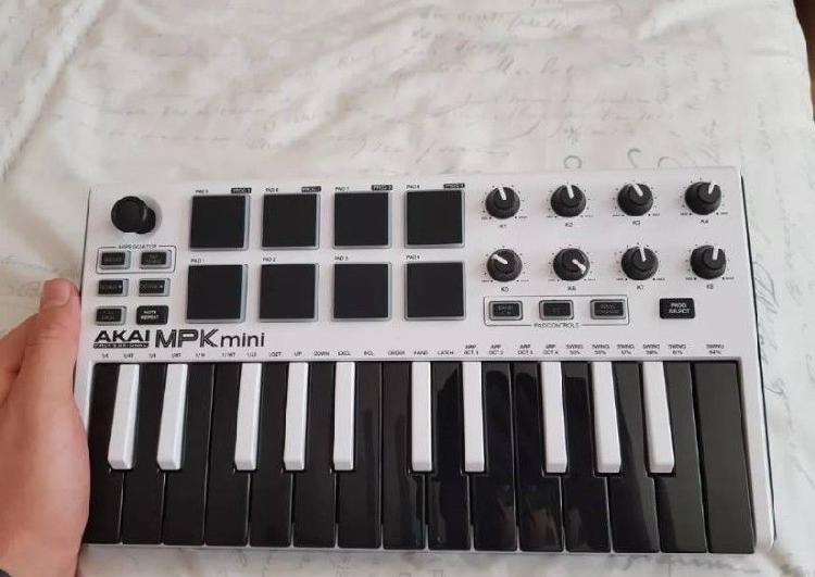 Akai mpk mini mk2 white special piano midi