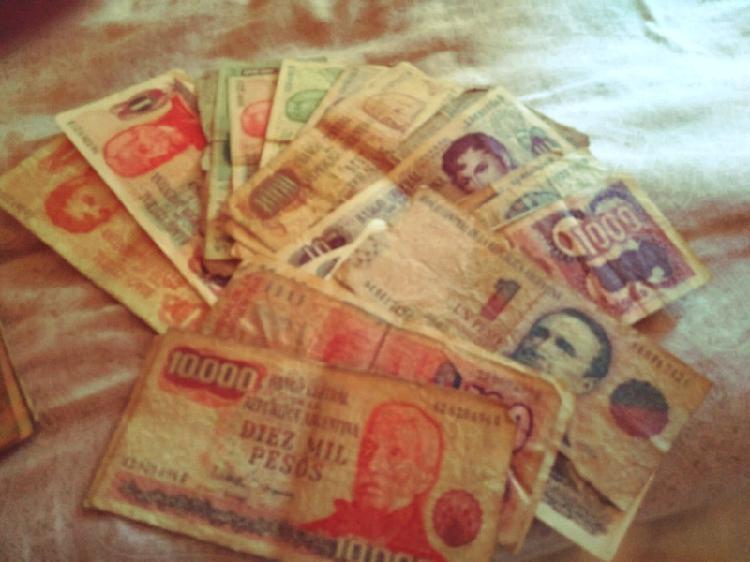 Colección de billetes antiguos argentina y otros países