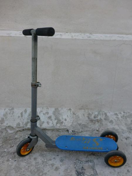 Monopatín de caño 3 ruedas