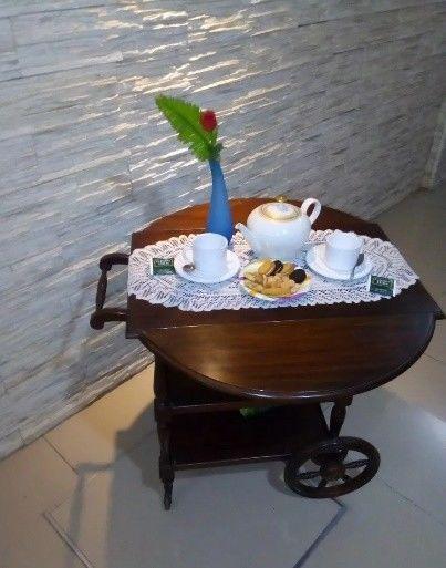 Mesa extensible con ruedas té mate picadas desayunos