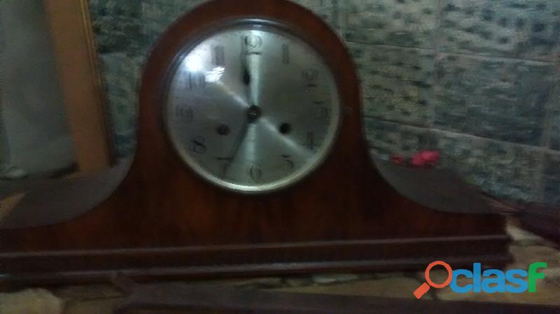 Reloj de mesa alemán