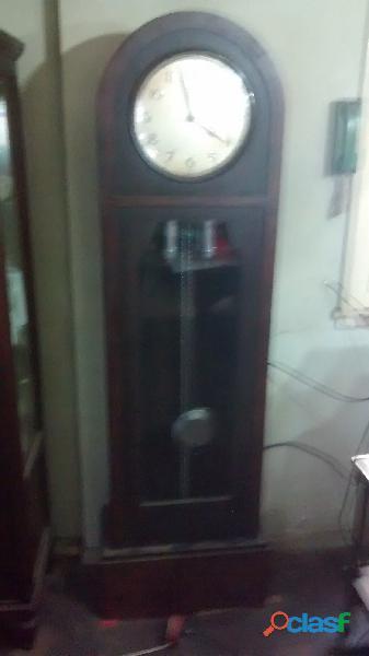 Reloj de pie aleman