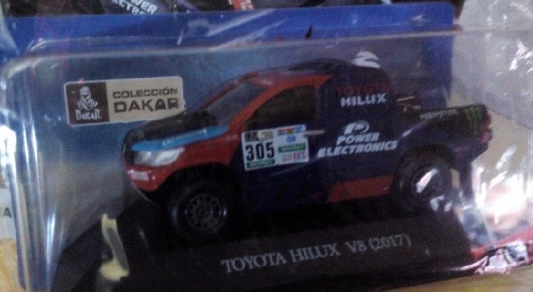 Vehículos Dakar a escala Duster Iveco Toyota Hilux