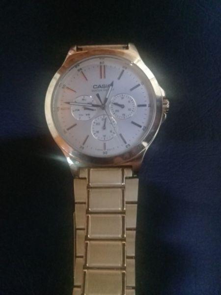 7cf9a9672e59 Vendo reloj casio dorado unisex en Argentina   REBAJAS Abril ...