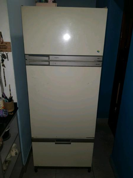 Heladera philips tropical con freezer