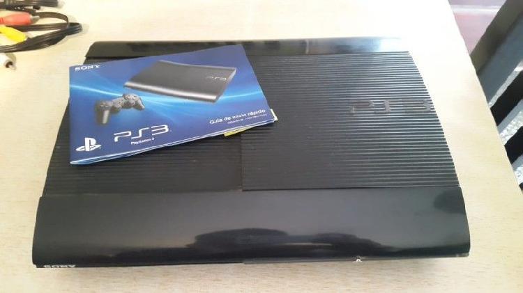 Playstation 3 Super slim 500GB con 2 joysticks