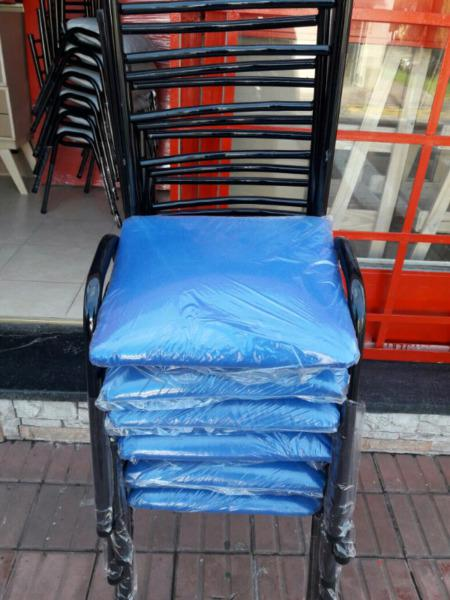 Sillas de metal colores a elección 6 sillas a1750 pesos