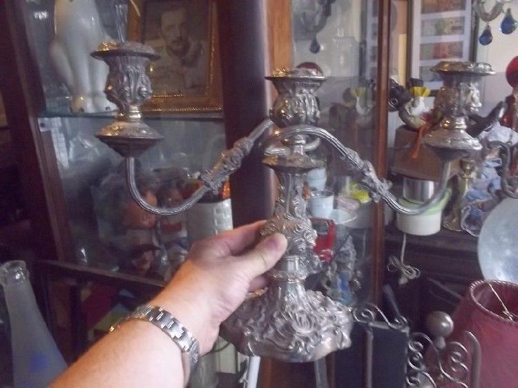 hermoso juego de candelabros de peltre tres luces