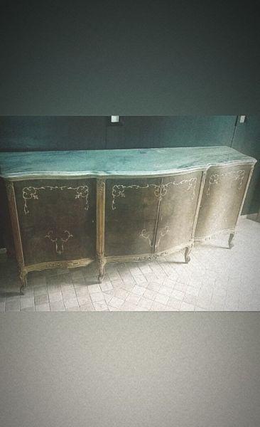 Mueble antiguo con gran mesada de mármol!!!