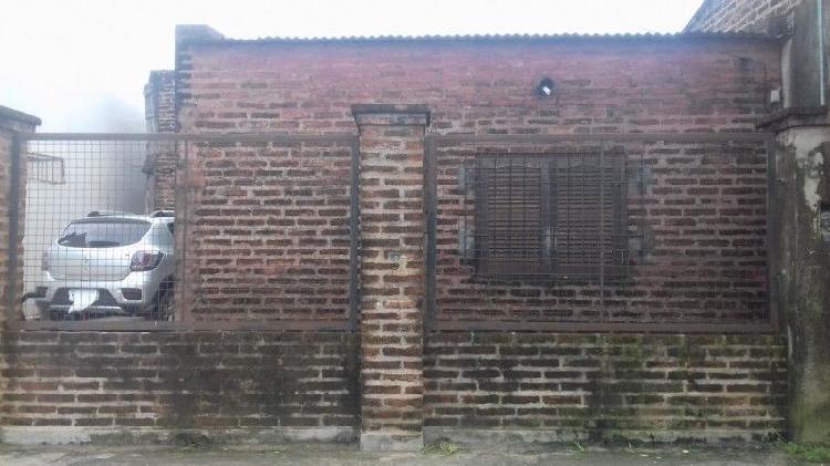 Vendo casa en resistencia chaco sobre avenida urquiza