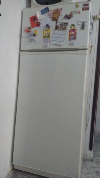 Heladera con freezer patrick fagor