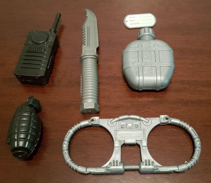 Kit de accesorios plastico juego soldado combate x 6
