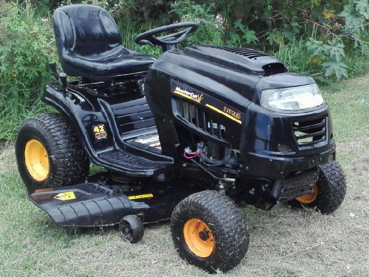 Mini tractor corta césped /tractor corta pasto/ tractorcito
