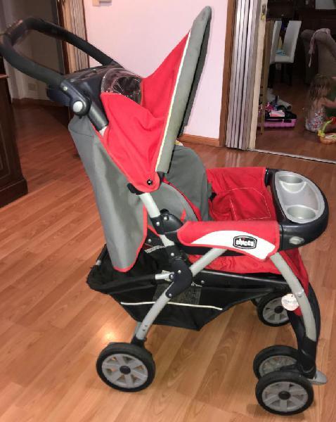 Coche de bebe chicco con butaca para auto y base
